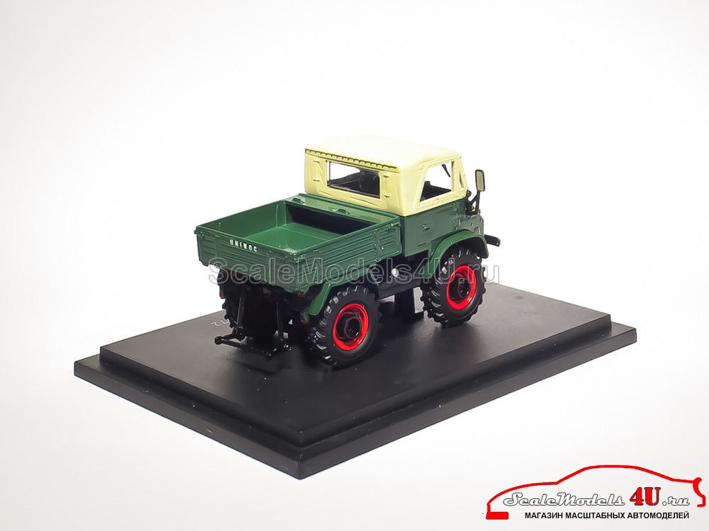 Масштабная модель трактора Mercedes-Benz Unimog (Germany ...