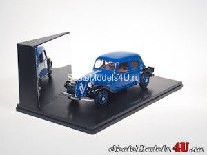 Scale model of Citroen Traction 7C (1938) produced by Universal Hobbies.