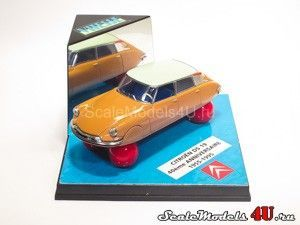 Scale model of Citroen DS 19 40eme Anniversaire (1955-1995) produced by Vitesse.