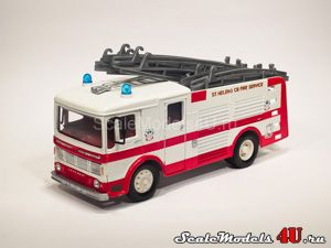 Масштабная модель автомобиля Leyland Emergency Tender Set - St. Helens Fire Brigade - The White Fleet (1970) фирмы Corgi.